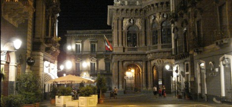 Walking around Catania at night by myself - at the end of the day I escaped
