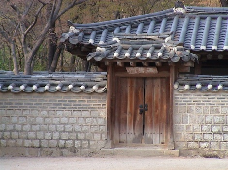 Another little door to another little pagoda